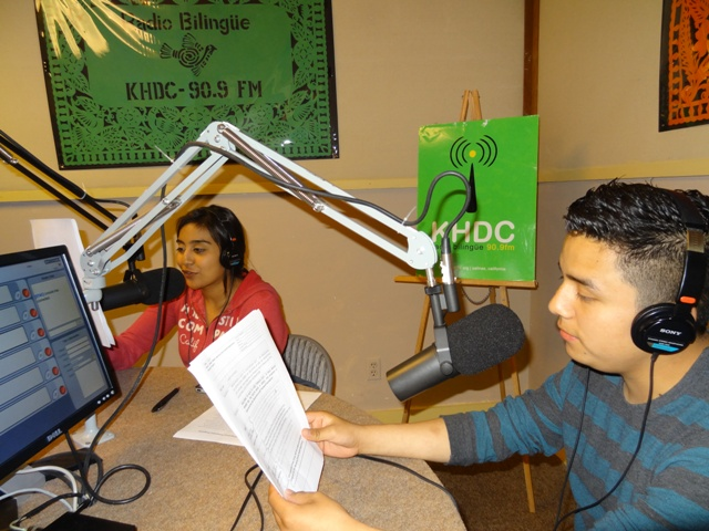Trainees Gustavo Flores & Jazmín Cardoso On Air at KHDC