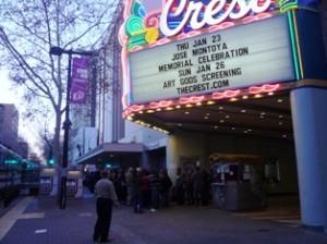 Se abarrotó el Teatro Crest para rendir homenaje a Jose Montoya. Foto: Fernando Andrés Torres