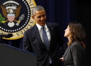 Obama y alguien