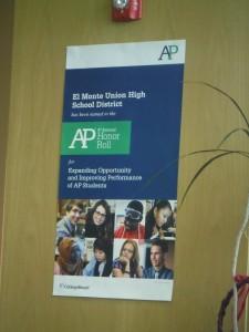Poster en oficinas del Distrito Escolar de El Monte