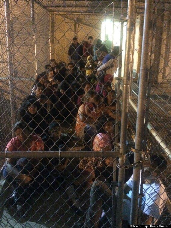 Niños detenidos en la frontera, presos en cárceles distantes a las de sus padres y madres. Foto:  Oficina del representante  Henry Cuellar