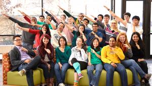 Estudiantes de la Universidad de Texas en Dallas del Centro para el Éxito, que ofrece tutoría gratis a todos los estudiantes actualmente matriculados (UT)