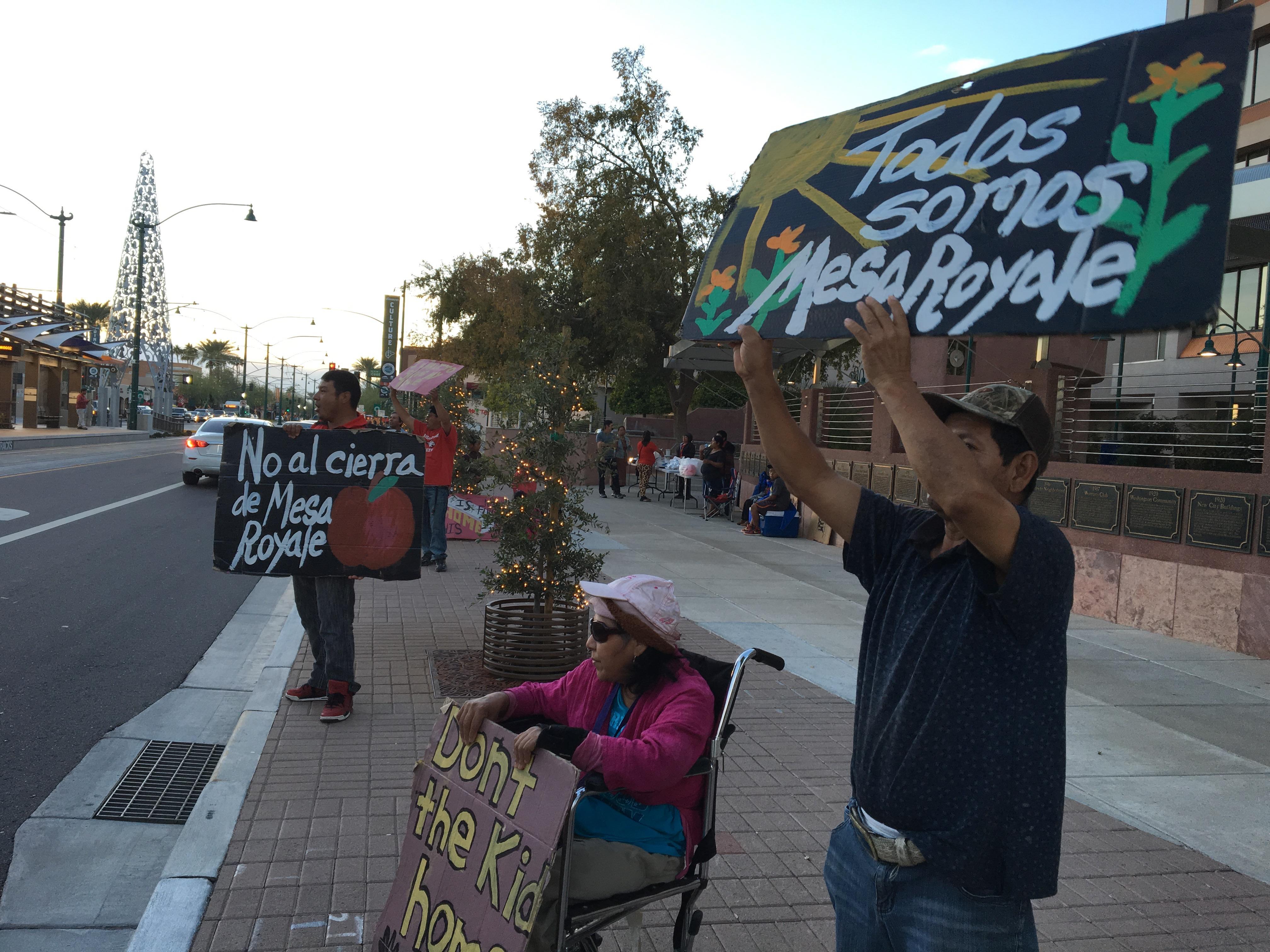 Residentes de Mesa Royal protestan contra el desalojo