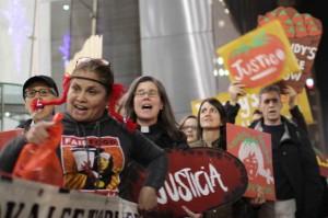 Nely Rodríguez, de CIW en la marcha de la ciudad de Nuev York. Foto: CIW