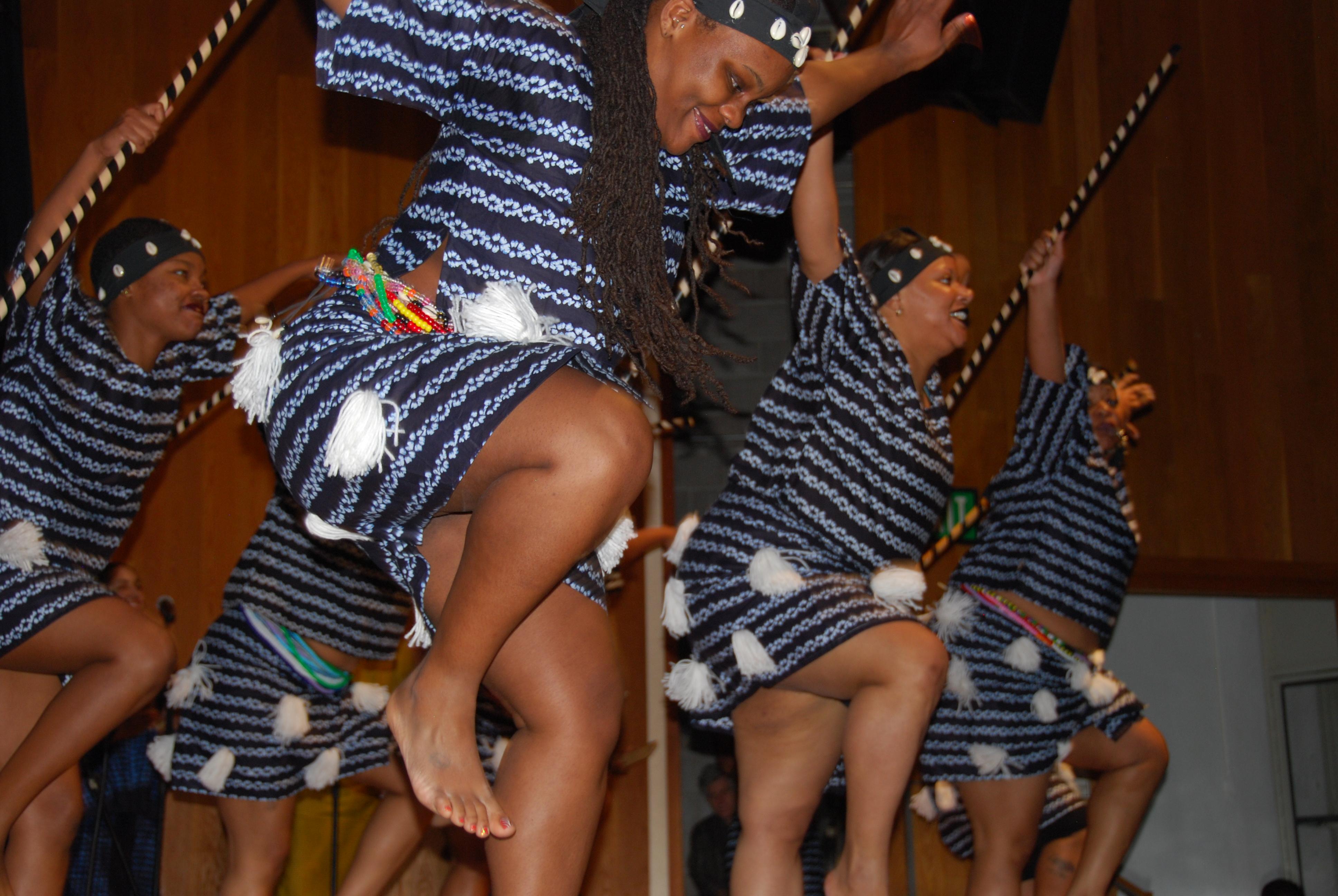 Danzantes de Diamano Coura