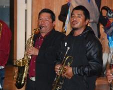 Emiliano Bernardino Flores en el saxafon.
