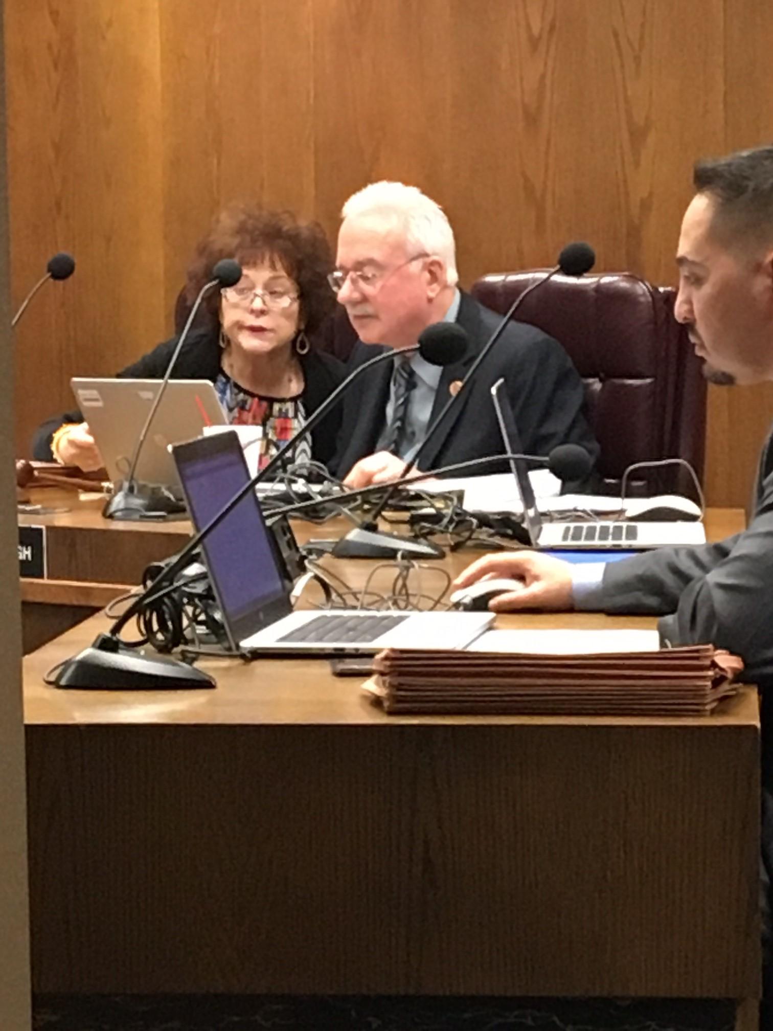 John Kavanagh es el autor de la ley SB 1017 que impediría que la ciudad de Phoenix creará su propia forma de identificación.