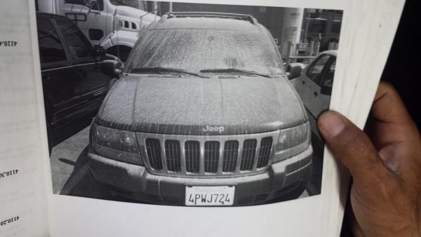 Auto contaminado por emisiones tóxicas de Exide. Foto: Rubén Tapia.