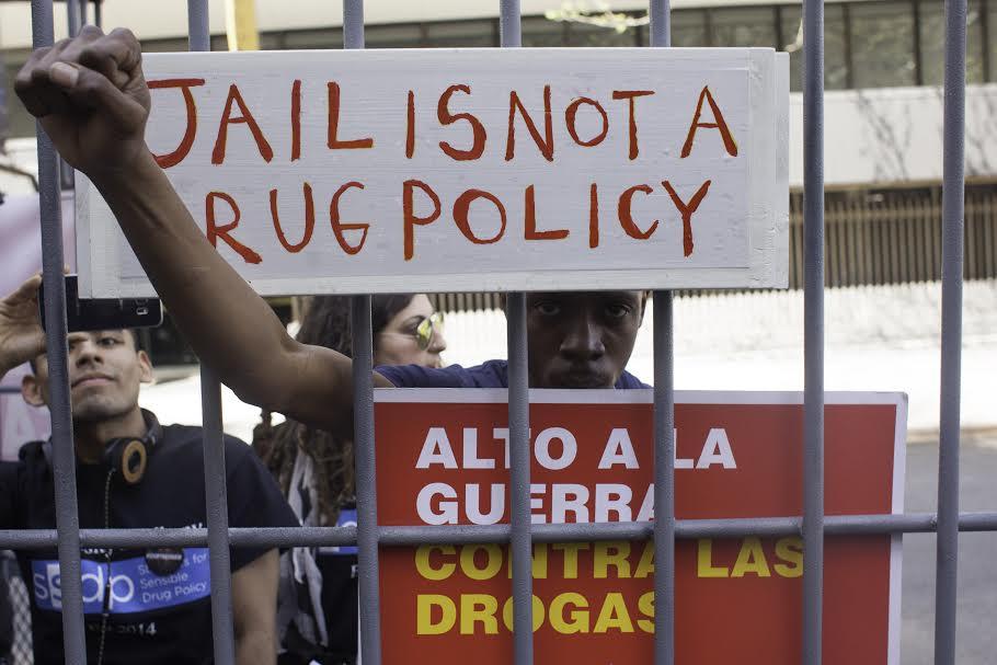 Frente a Naciones Unidas. Foto: Moysés Zúñiga Santiago