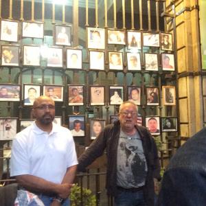A la derecha de la foto, Neil Franklin, de la organización Agentes de la Ley Contra la Prohibición, (LEAP). y a la izquierda, Javier Sicilia, de lentes. Foto: Raúl Silva.