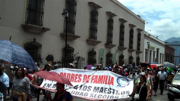 Marcha en el Zócalo, asiento de poder político de México. Foto: Vladimir Flores.