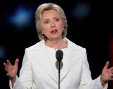 Hillary R. Clinton aceptando su nominación como la candidata oficial del Partido Demócrata a la presidencia de Estados Unidos.  Foto: newsday.com