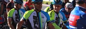Bicicleteros Catrines del Valle Central de California, con trajes especiales de modernos materiales elásticos y ajustables, zapatos especiales también y otros efectos personales. Foto: www.ciclistasdelvalle.org