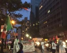 Marchando por la Tercera  Avenida del Midtown en Manhattan. Foto: MVG
