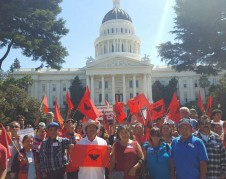 Lucha de jornaleros agrícolas llega al Capitolio en Sacramento, California.