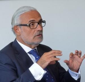 Dr. Marcelo Suarez–Orozco, destacado investigador del instituto para niños, jóvenes y familias de la UCLA.