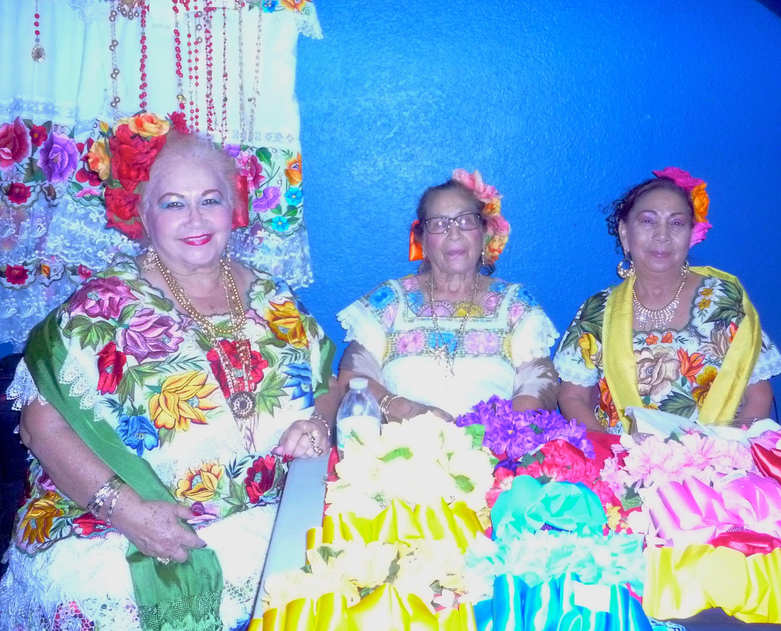 Vestidos típicos de la cultura maya yucateca.