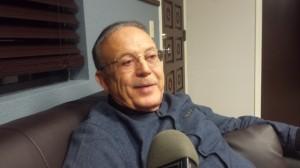 Dr. Mario Celaya, de la clínica Vida Sana, en Lindsay, California. Foto: Rubén Tapia.