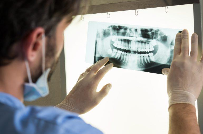 dentist-e1481634835165