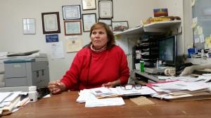 Jovita Castañeda en su oficina donde llena declaraciones de impuestos.