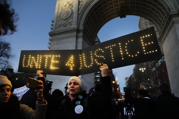 Manifestación en el Washington Square Park de la ciudad de Nueva York el 26 de enero de 2017 contra las políticas de inmigración del presidente Trump. Foto: Spencer Platt/Getty Images.