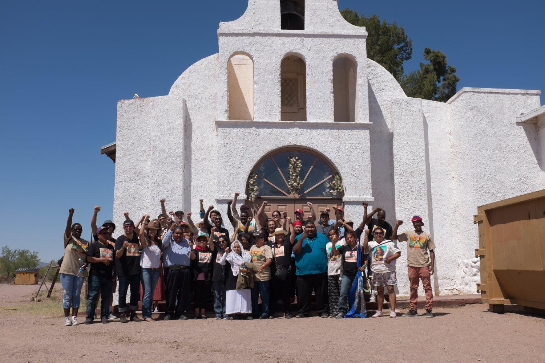 Caravaneros reciben apoyo de la Nación Tohono O'Odham, del sur de Arizona.