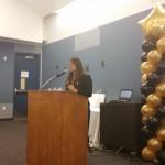 La Dra. Sara Gámez agradece el premio que le otorgó la organización John Burton.