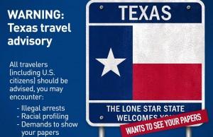 """La Unión Americana de Libertades Civiles (ACLU) emitió una """"alerta para viajeros"""" que informa a quienes planeen viajar próximamente a Texas sobre la posible violación de sus derechos constitucionales cuando sean detenidos por los oficiales de policía. Foto: ACLU via twitter."""