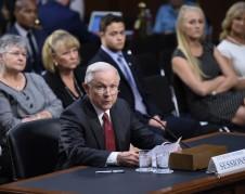 El Procurador General de EU, Jeff Sessions, en comparecencia ante el Comité Judicial del Senado. Foto: agencias.