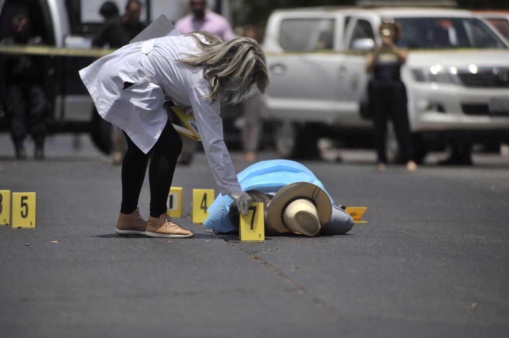 La Jornada1024 × 681Search by image El periodista Javier Valdez fue asesinado este lunes. Foto Afp / Fernando Brito