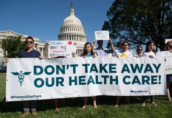 Sostienen que el plan de salud de los republicanos no es bueno para los negocios y mucho menos para la gente. Foto: Boston Globe.