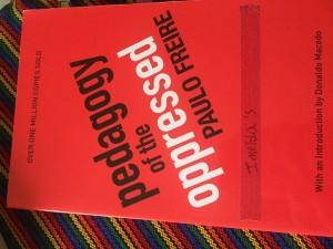Pedagogía del oprimido, del pedagogo brasileño Paulo Freire, otro de los libros que fue quitado del salón de clase por decisión del Departamento de Educación de Arizona