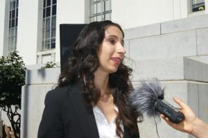 Abogada Miranda Galindo, acusa al Sistema de salud en California de discriminar a los pacientes con MediCal.