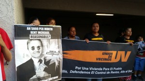 Residentes organiazados se solidarizan con los mariachis.