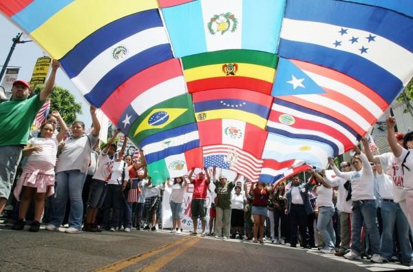 Marcha de latinos en Estados Unidos. Foto: xpatnation.com