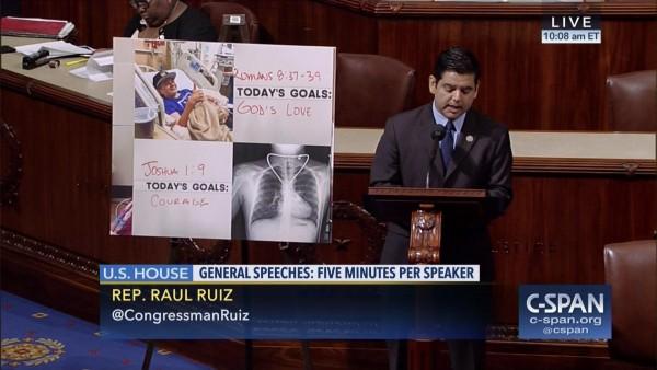 El congresista Raúl Ruiz en una exposición sobre su plan de salud en el Congreso en Washingtn, DC. Foto: C-Span.