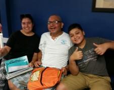Familia Moreira, contentos esperan ver a un abogado en 'El Rescate'.
