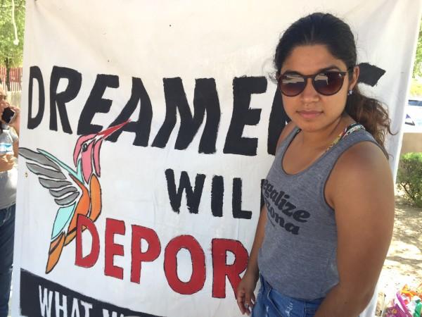 Máxima Guerrero es beneficiaria de DACA, estudiante y dueña de su propio negocio.