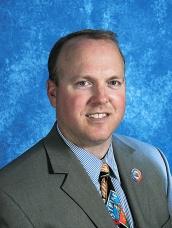 Matthew W. Ross, Superintendente de Distrito Escolar en Vineland.