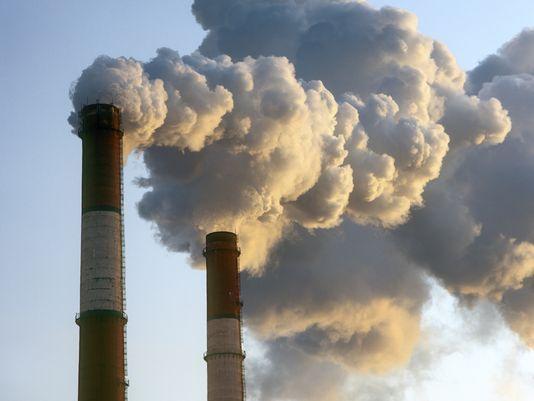 Más de 138 millones de la población estadunidense (44%), vive en zonas donde la contaminación atmosférica alcanza niveles peligrosamente altos durante partes del año. Foto: USA Today.
