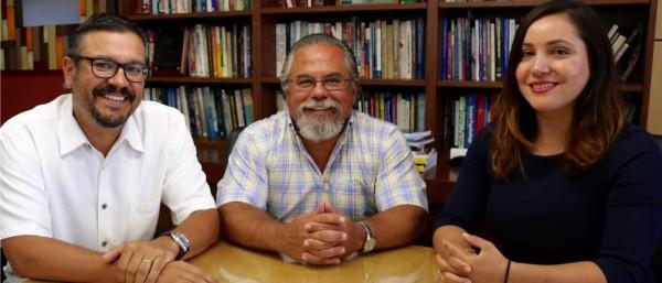 Matt Barreto, Gary Segura and Sonja Diaz son parte de UCLA Luskin School of Public Affairs forman un equipo destinado a amplificar el alcance de las voces latinas en la UCLA. Foto: George Foulsham.