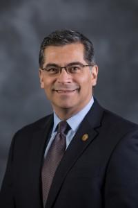 Procurador General de California, Xavier Becerra.