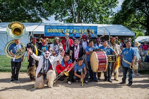 Grupo Nuu Yuku se unió a Banda Brillo de San Miguel Cuevas. Foto de Prayoon Charoennun