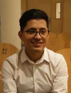 Adrián Vargas paciente de HIV y trabajador voluntario de La Fundación contra el SIDA, SF.