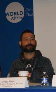 Jorge Vieto paciente de HIV, activista y trabajador de salud pública de la Fundación Glide Memorial.