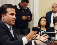 Ricardo Rosselló testifica ante los Comités de Recursos Naturales del Senado