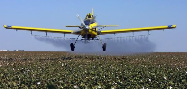 La administración de Trump revierte el curso sobre pesticida de agente nervioso. Foto: Chicago Tribune.