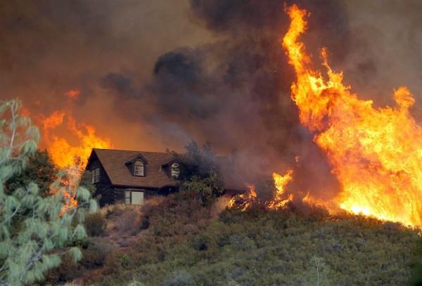 Vista aérea de la destrucción ecológica en el sur de California. Foto: www.esa.com.