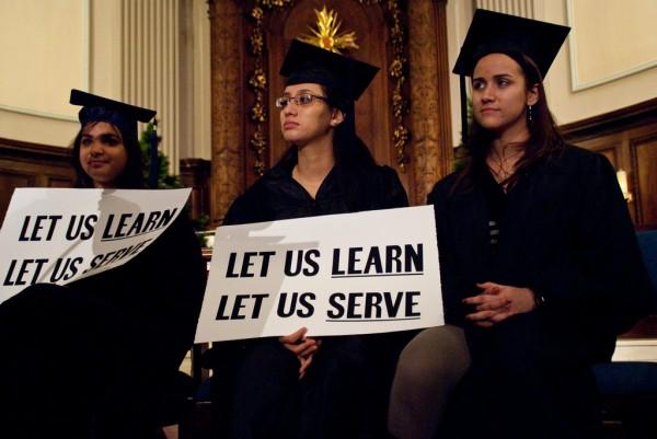 Graduadas universitarias buscan apoyo para la Ley del Sueño. Foto: Flicker.