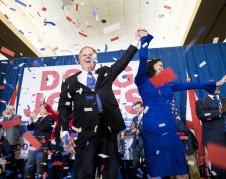 Triunfa Doug Jones en Alabama un sitio al Senado. Foto: www.macleans.ca